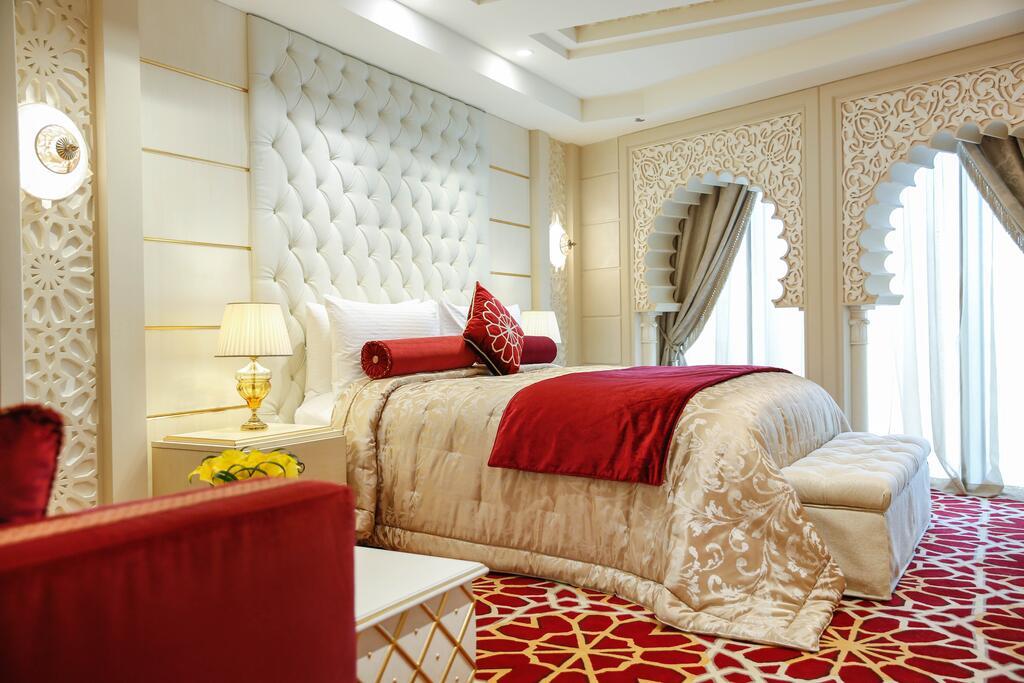 فندق قريب من الافنيوز الكويت