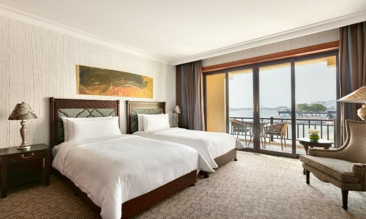 الغرف الرائعة في فنادق أبوظبي مع مسبح خاص