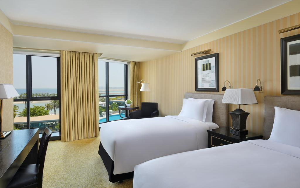 فندق بمسبح خاص في البحرين