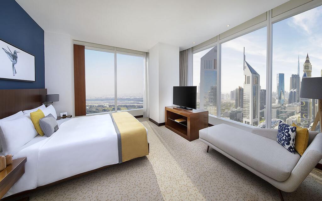 فندق في دبي للشباب