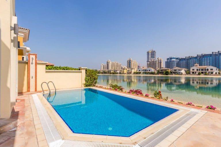 شاليهات في دبي على البحر