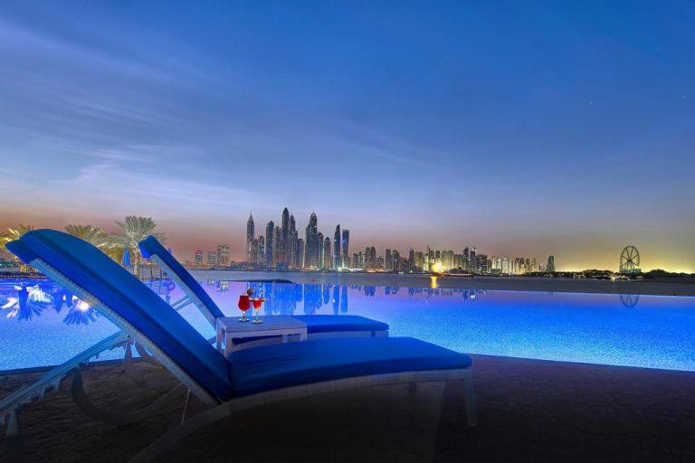 منتجعات في دبي بمسبح خاص