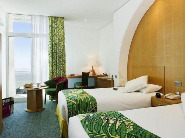 فنادق جبل حفيت