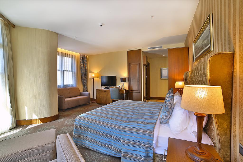 فنادق 4 نجوم في شيشلي