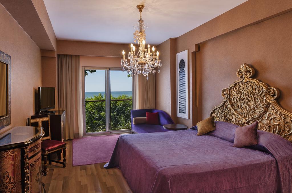 فندق ارض الاساطير انطاليا