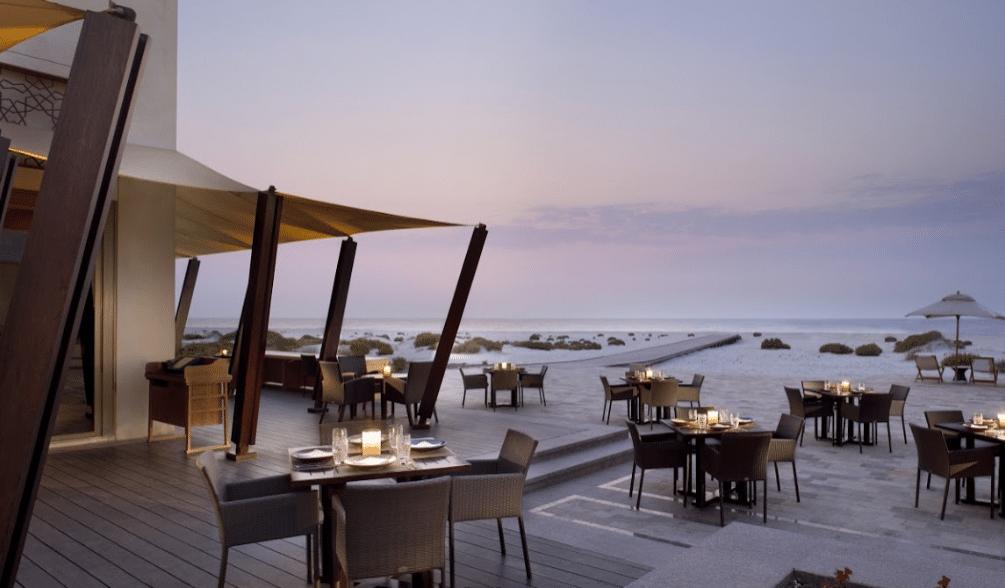 مطاعم فطور في ابوظبي على البحر